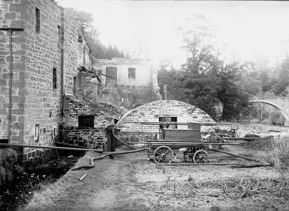 Mauchline 'Fire Tender' at Barskimming Mill